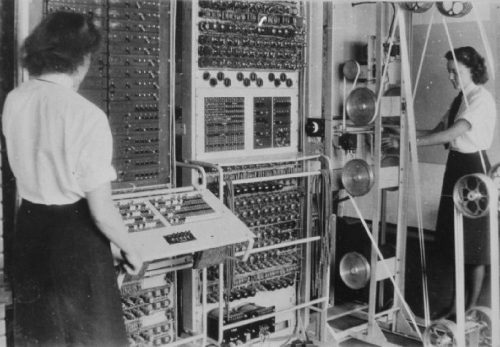 A Colossus Mark 2 computer. The operators are (left to right) Dorothy Du Boisson and Elsie Booker.