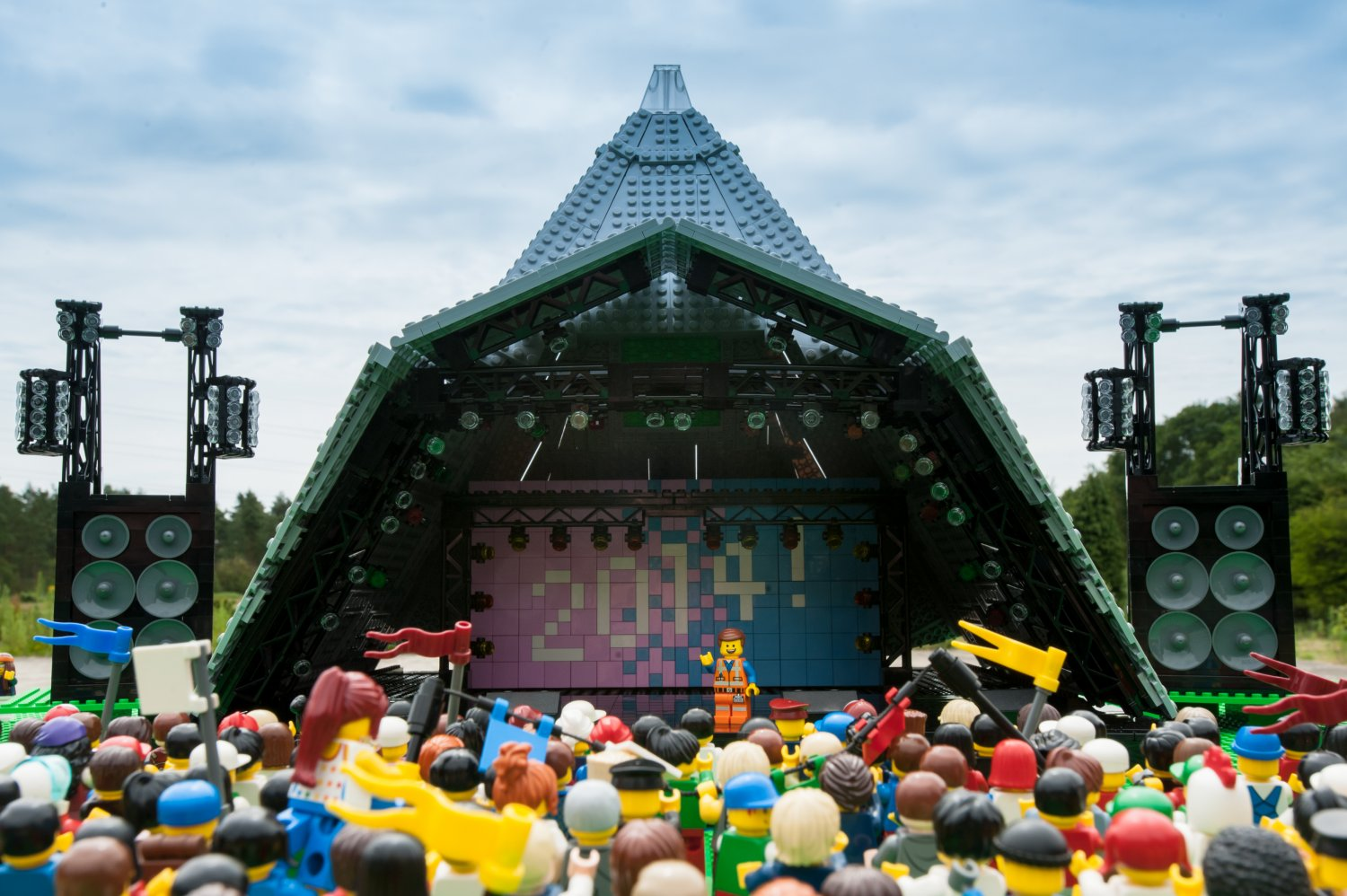The mud didnt bother Emmet, star of The LEGO Movie, as he gets into the festival spirit at Glastonbury (2)