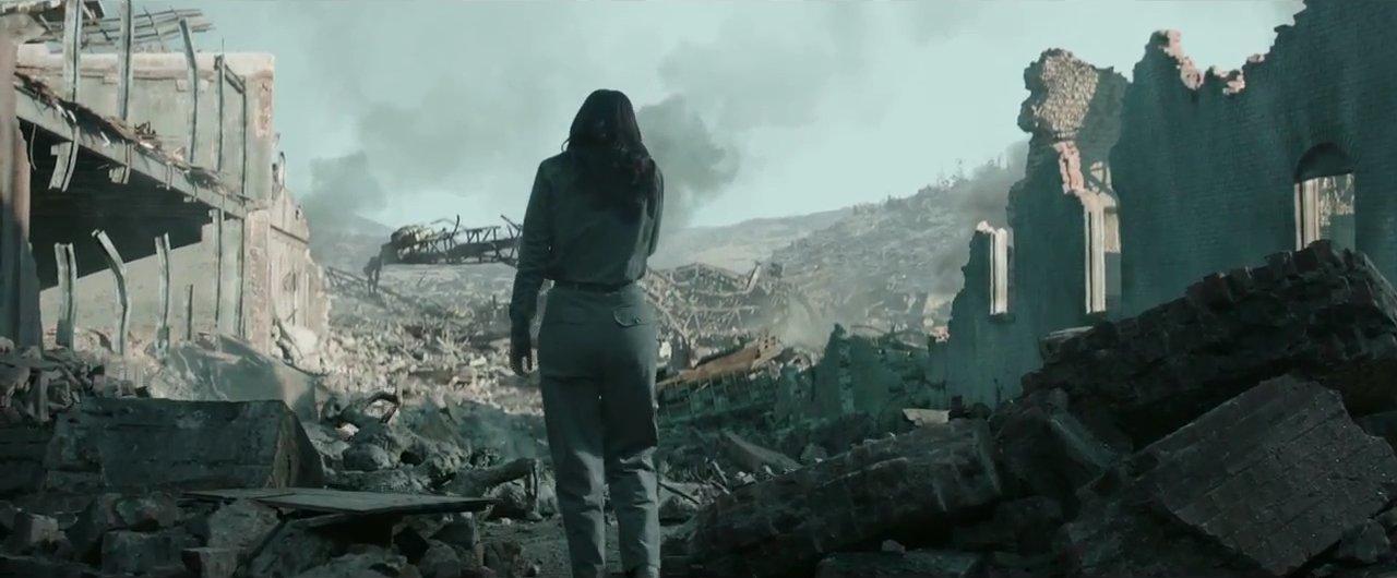 Katniss returns to District 12