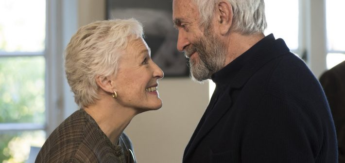 Glenn Close and Jonathan Pryce star as Joan and Joe Castleman
