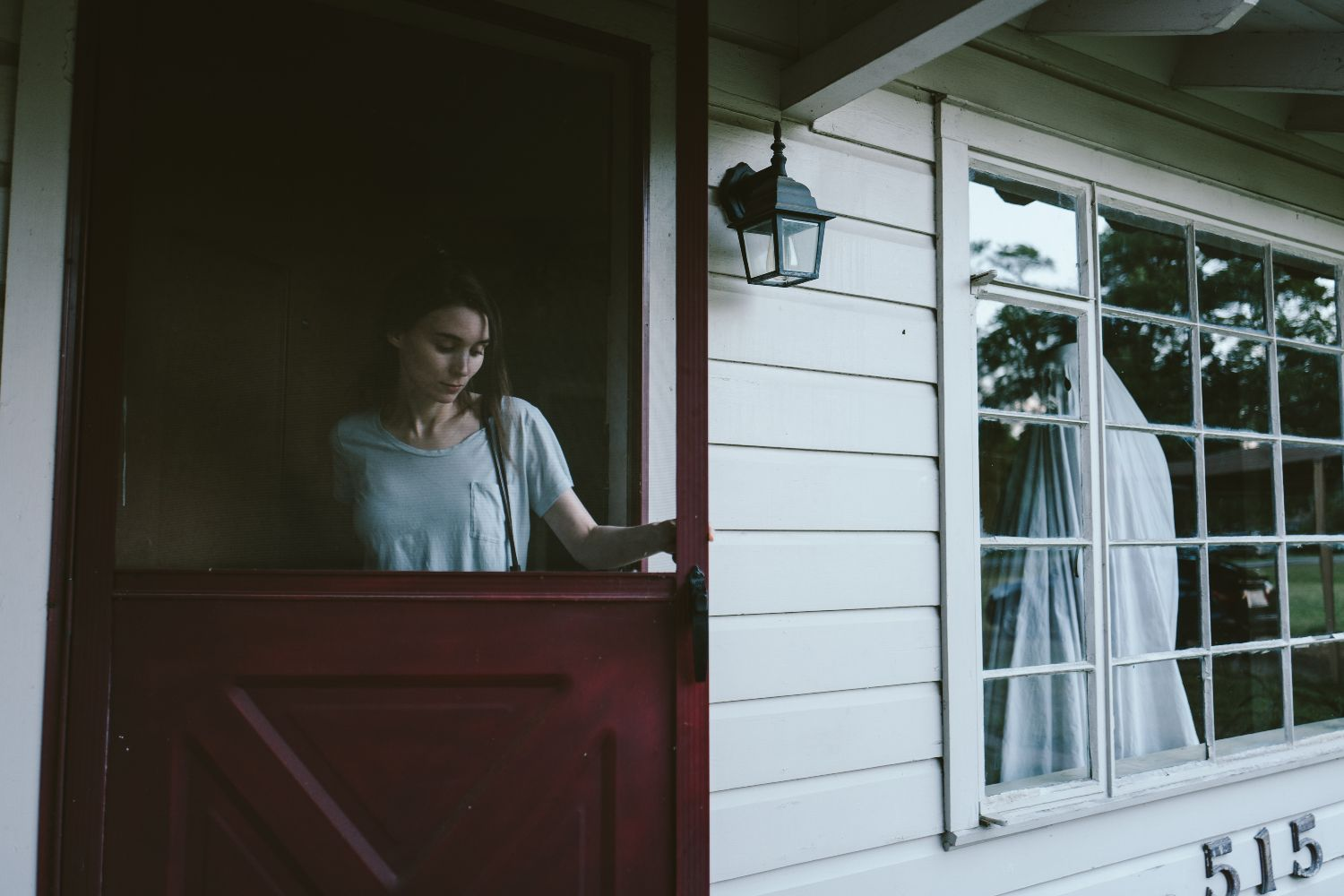 Rooney Mara and Casey Affleck in A GHOST STORY, photo credit – Bret Curry