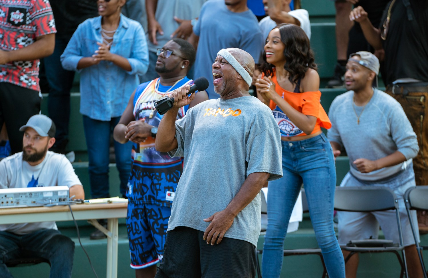 "Lil Rel Howery as ""Dax"" and Erica Ash as ""Maya"" in UNCLE DREW."