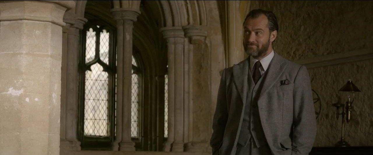 Fantastic Beasts_ The Crimes of Grindelwald – 'Distinctly Dumbledore'