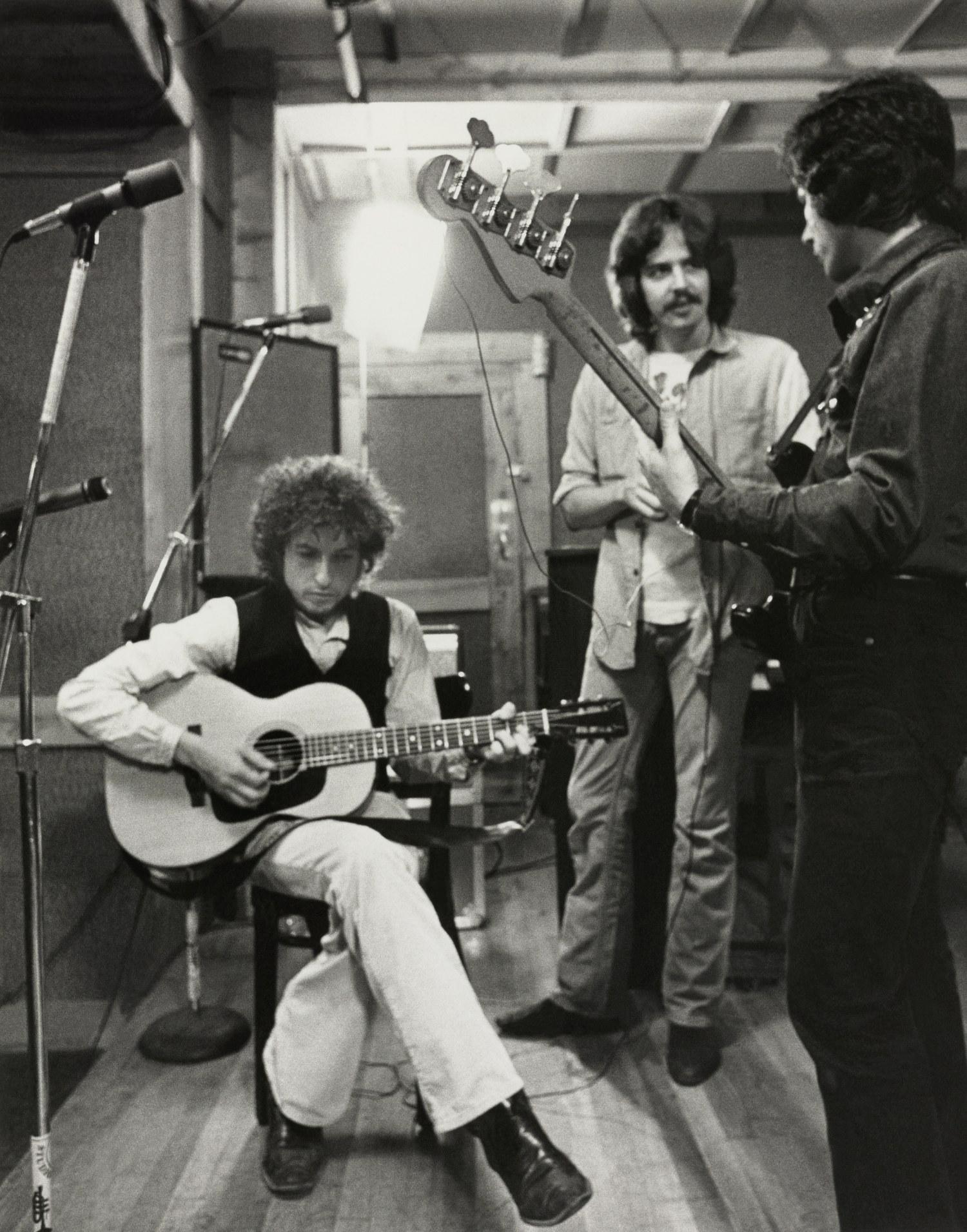 RollingThunder_Regan_1975_StudioA