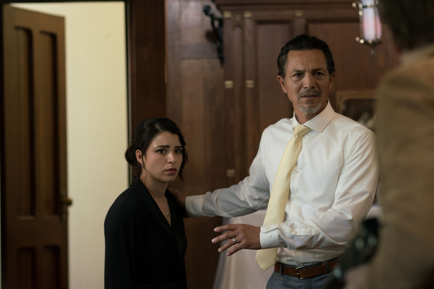 Nicole Muñoz and Benjamin Bratt in A Score to Settle (Lionsgate UK) (01)