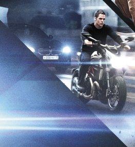 Chris Pine speeding to the next scene