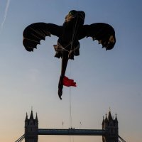 Toothless soars through Tower Bridge, London
