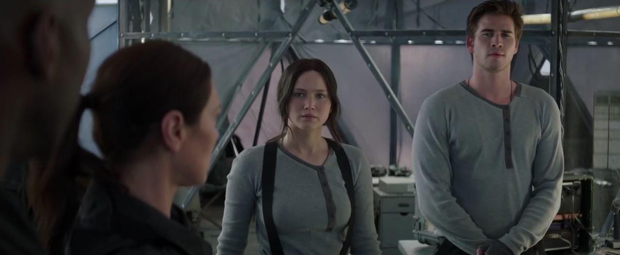 The Hunger Games_ Mockingjay Part 2 – Sneak Peek _Star Squad_ – In Cinemas Nov 19 – YouTube [720p].mp4_20151005_201824.016