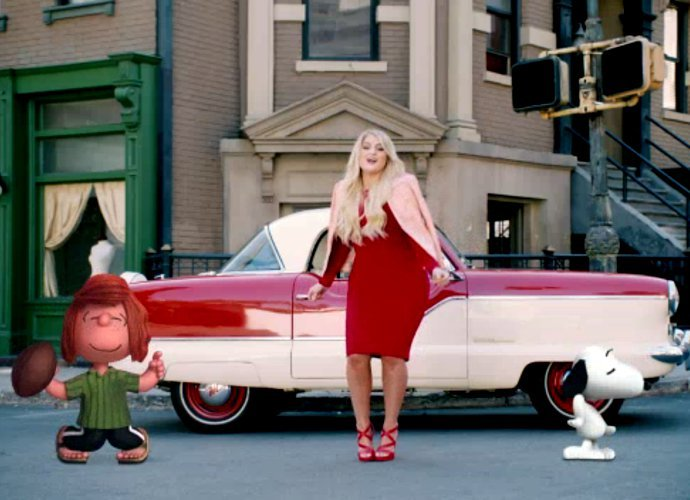 meghan trainor dances with peanuts characters in better then I'm dancing