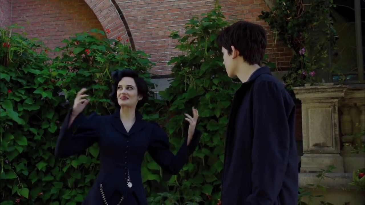 Miss Peregrine's Home for Peculiar Children – Some People are Peculiar