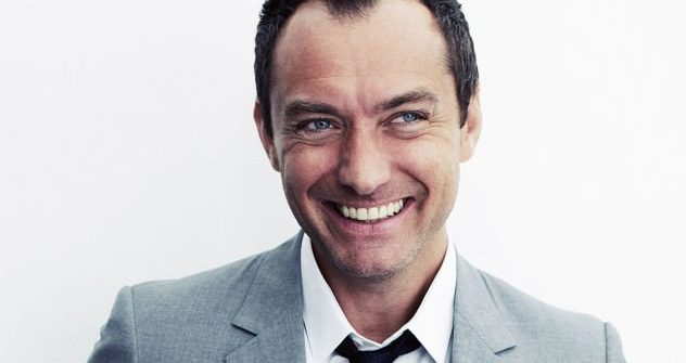 Jude Law is Dumbledore