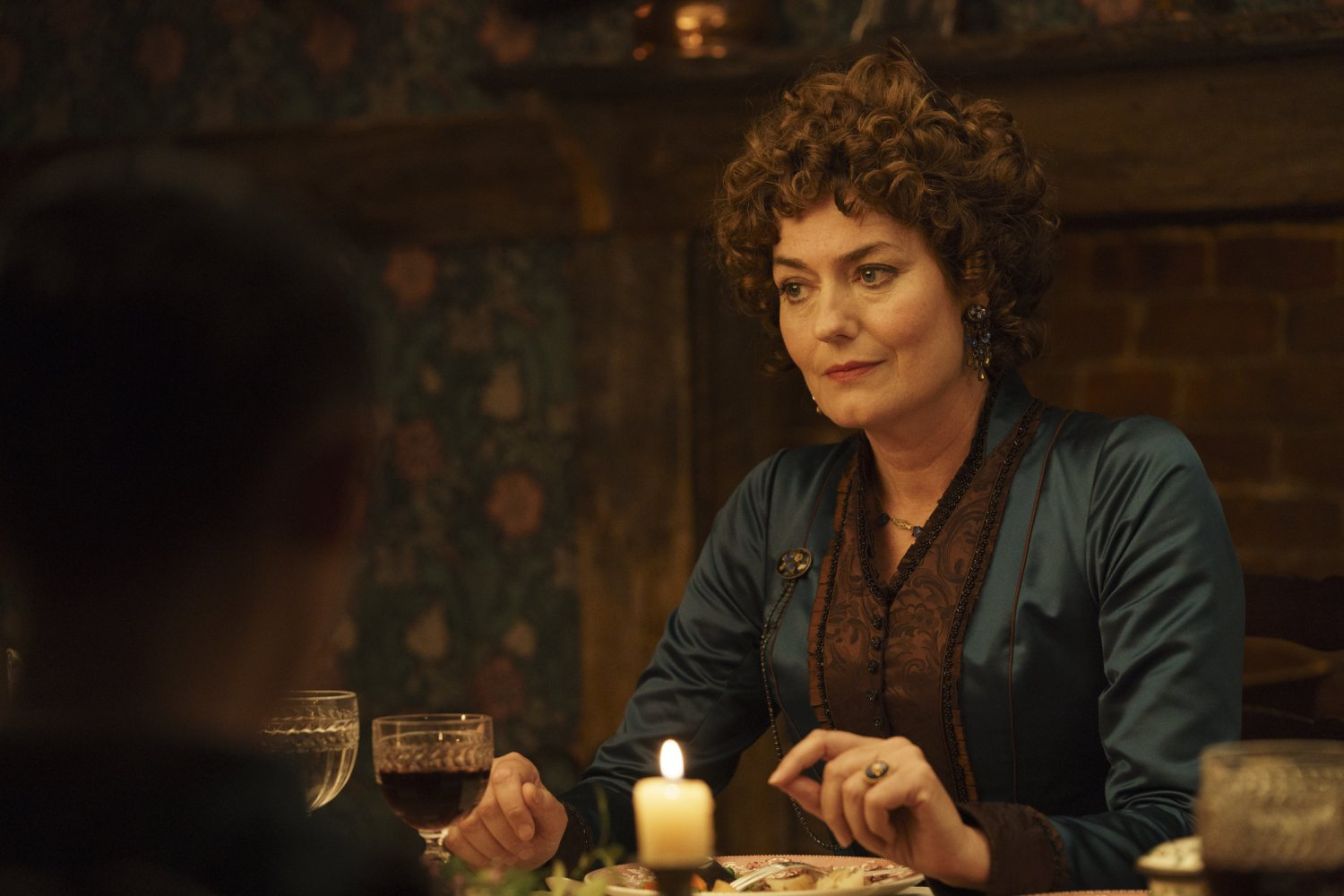 Anna Chancellor in Come Away (Signature Entertainment, 2020) [2]