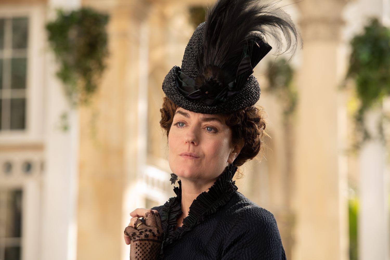 Anna Chancellor in Come Away (Signature Entertainment, 2020)