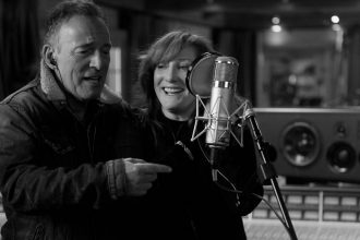 """Apple Original Films to Premiere """"Bruce Springsteen's Letter to You"""" Documentary"""