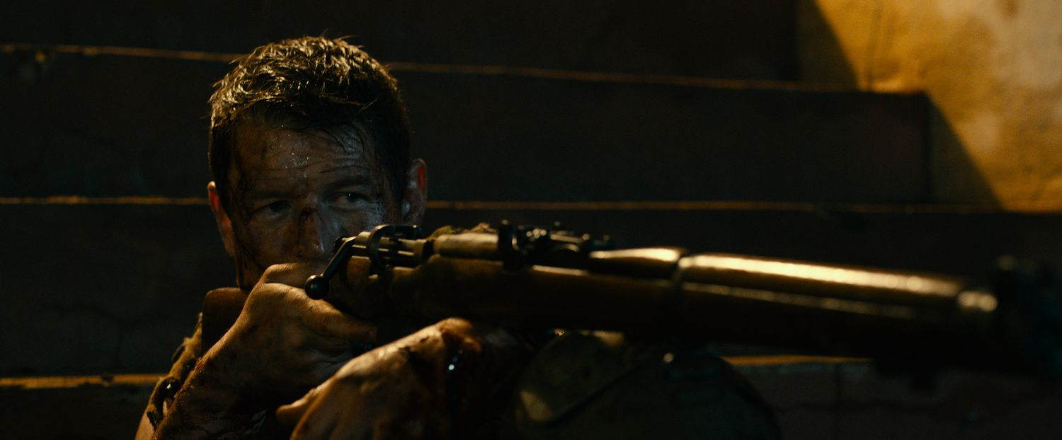 Phillip Winchester in Rogue (Lionsgate UK) (2)