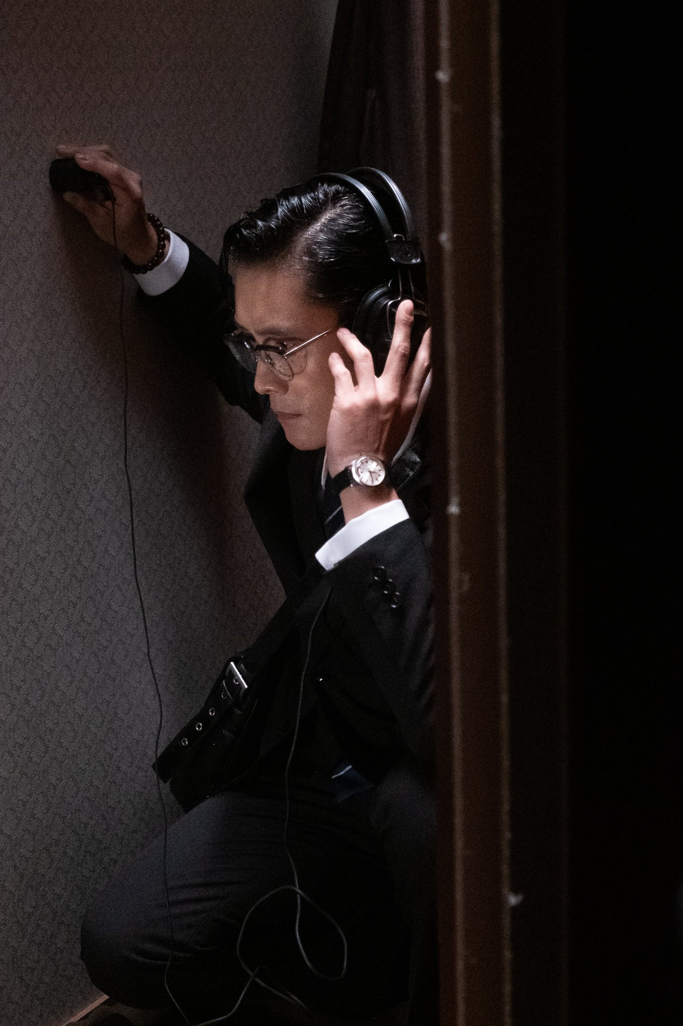 Lee Byung-hun in THE MAN STANDING NEXT (Blue Finch Film Releasing) (02)