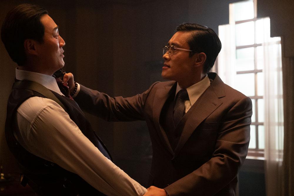 Lee Hee-joon and Lee Byung-hun in THE MAN STANDING NEXT (Blue Finch Film Releasing)