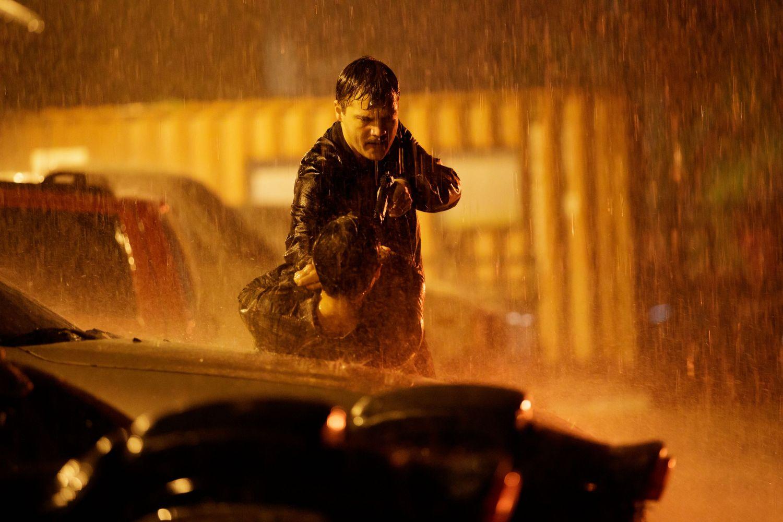Emile Hirsch in MIDNIGHT IN THE SWITCHGRASS (Lionsgate UK) (02)