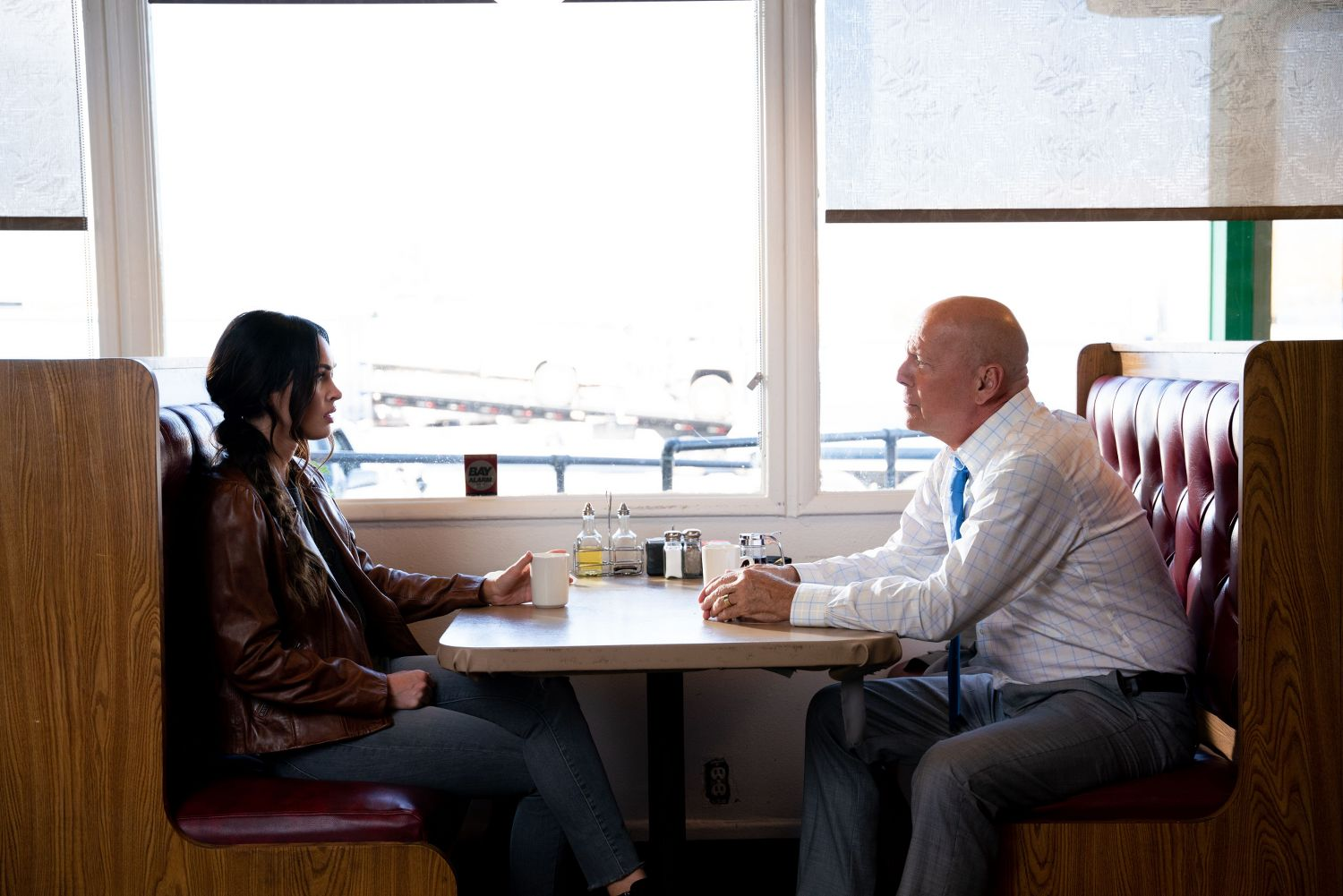 Megan Fox and Bruce Willis in MIDNIGHT IN THE SWITCHGRASS (Lionsgate UK) (02)